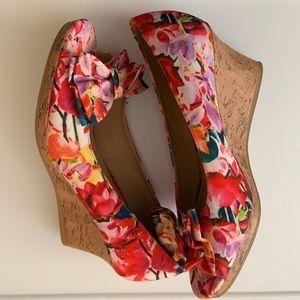 Dexflex Colorful Floral Bow Front Wedge Shoes